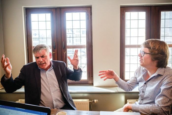 """Filip Dewinter kruist de degens met filosoof Maarten Boudry: """"De anderen zijn niet rechtser geworden, Dewinter is naar links opgeschoven"""""""