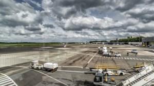 """Trek de stekker uit de subsidiëring van verlieslatende luchthavens"""