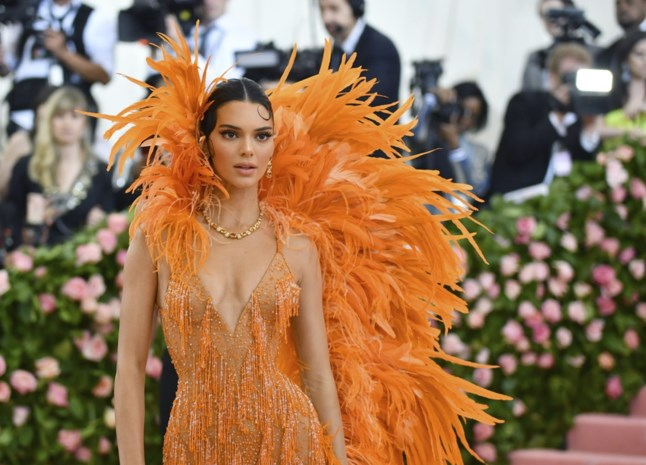Na Kim en Kylie: stort Kendall Jenner zich op de beautywereld?