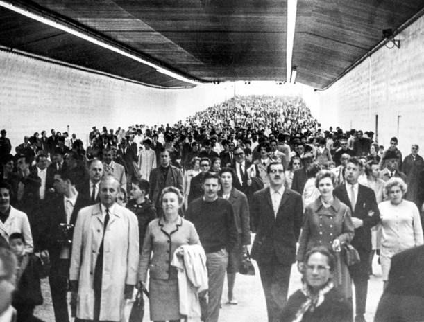 RETRO. Vijftig jaar geleden reden er voor het eerst auto's door de Kennedytunnel