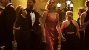 Long shot: ongewone combo Seth Rogen - Charlize Theron zorgt voor vuurwerk (3/5)