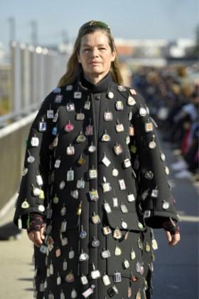De ontwerpster die in Brussel studeerde en sterren als Beyoncé mag kleden: wie is Marine Serre?