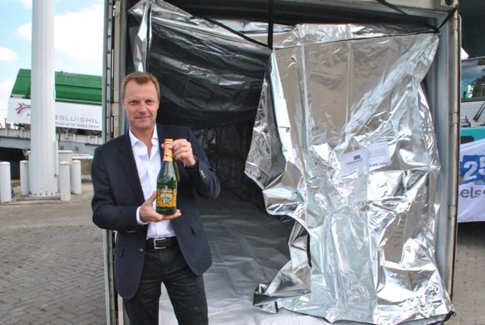 Brouwerij Lindemans kiest voor binnenvaart naar Antwerpen en haalt zo jaarlijks 600 vrachtwagens van de weg