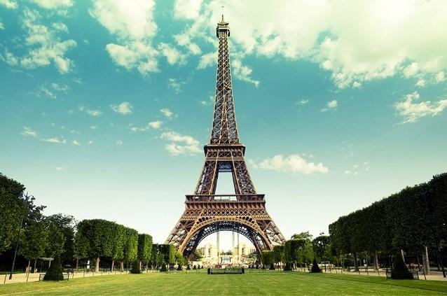 Parijs viert jarige Eiffeltoren