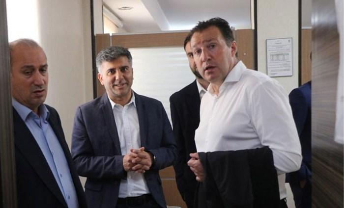 Marc Wilmots verlaat Iran zonder handtekening te plaatsen, voorlopig is hij dus nog geen bondscoach