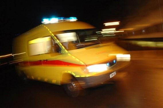 Dronken motorrijder in levensgevaar na val