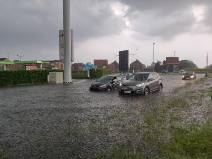 Zware wateroverlast in Bree, toestand onder controle