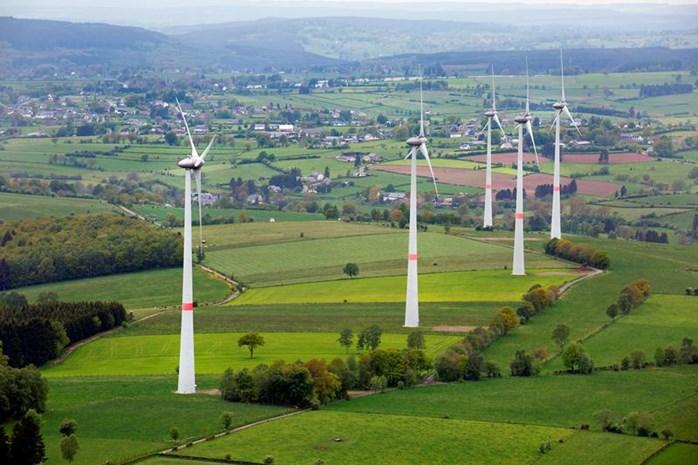 Windstil polst naar partijstandpunten over windturbines bij dorpskernen