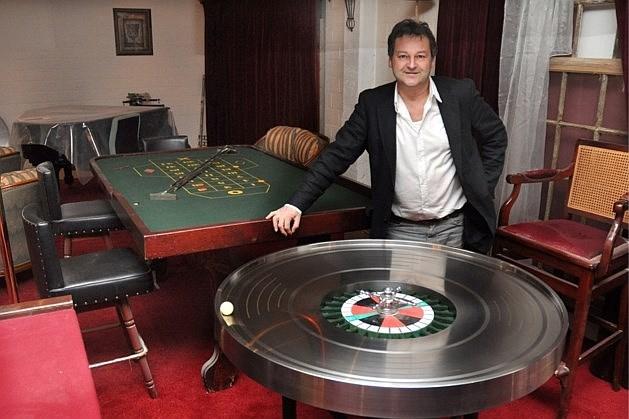 """Casino-uitbater eist liefst 22 miljoen euro schadevergoeding van gemeente: """"Zoveel geld ben ik de voorbije 15 jaar misgelopen"""""""