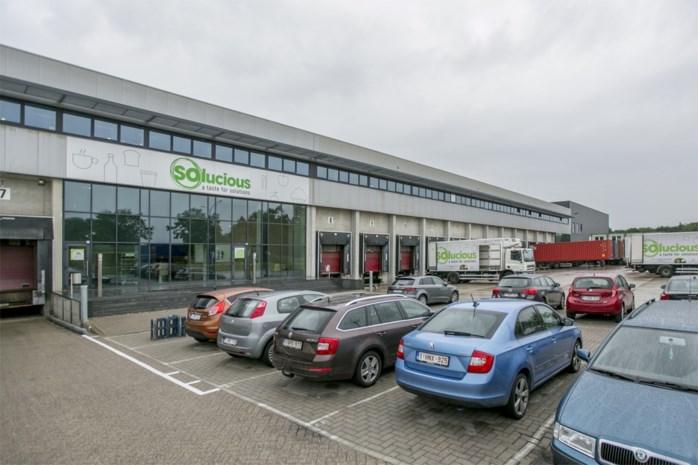 """Duo steelt voor 40.000 euro bij groothandel: """"Woning volgestouwd met gestolen spullen"""""""