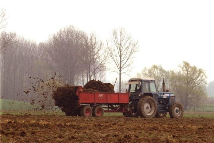 Landbouwers sjoemelen massaal met mestverwerking