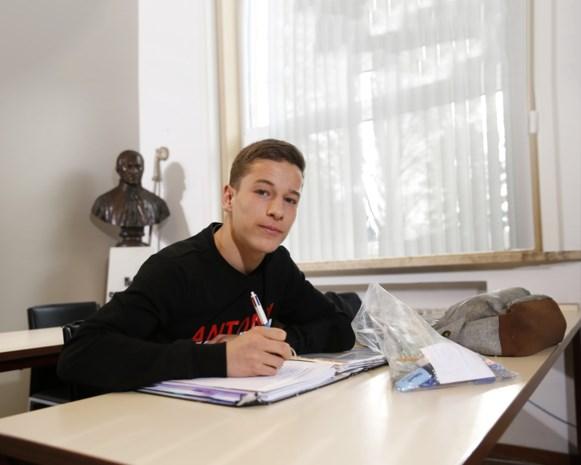 Yari Verschaeren in preselectie van (gehavende) Jonge Duivels voor EK U21, ook al mist hij door examens deel van voorbereiding