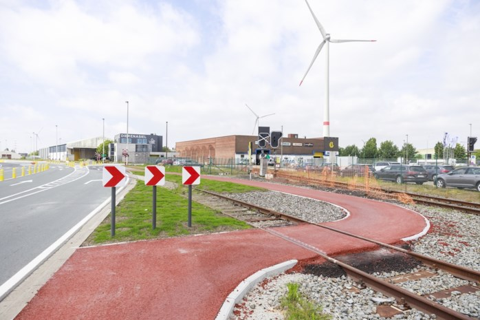Haven wordt veiliger: fietswiel geraakt niet meer vast in treinspoor door aanleg 'chicanes'
