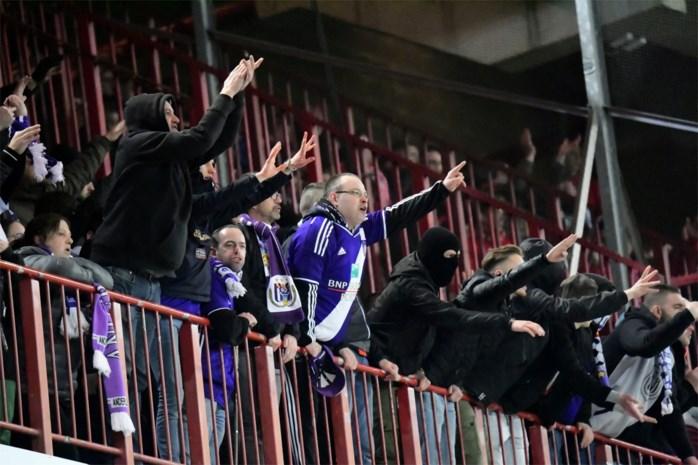 """Supporters bezorgen Anderlecht opnieuw 5.000 euro boete: """"Getuigt van gebrek aan respect voor iedereen op en rond het veld"""""""