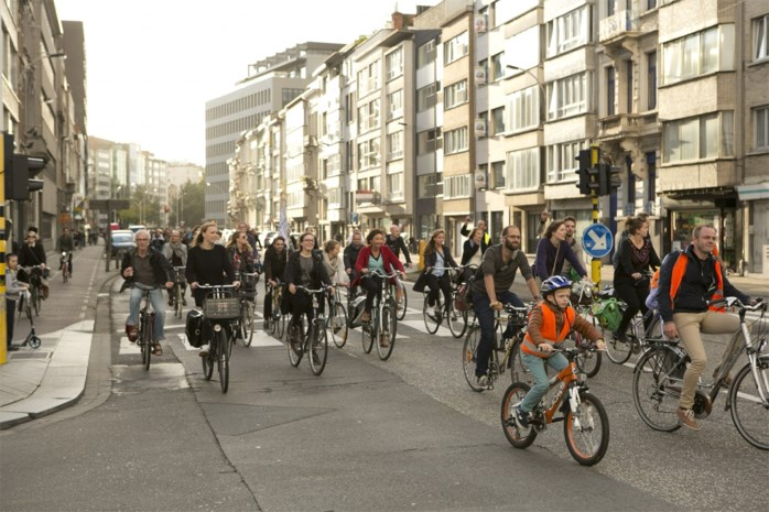 Ruim 2.000 fietsers palmen zaterdag Antwerpen in tijdens Critical Mass Belgium