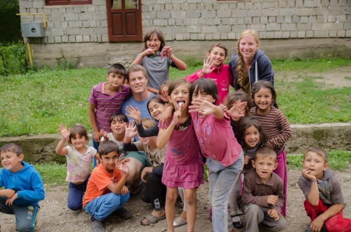 Koppel houdt carwash om geld in te zamelen voor projecten in Oekraïne