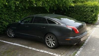 Man met levenslang rijverbod in niet-verzekerde luxewagen opgepakt
