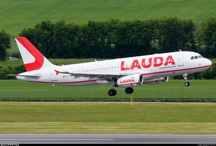 Vliegtuig houdt speciaal eerbetoon aan Niki Lauda