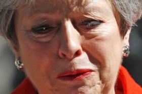 """Theresa May in tranen bij aankondiging vertrek als Brits premier: """"Ik heb het echt geprobeerd"""""""
