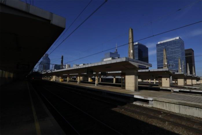 Meer dan 600 treinen hadden vertraging door bommelding station Brussel-Noord