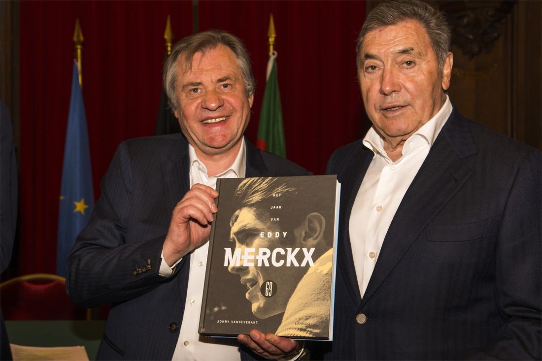 Eddy Merckx Bij Presentatie Nieuw Boek Over Magisch Jaar