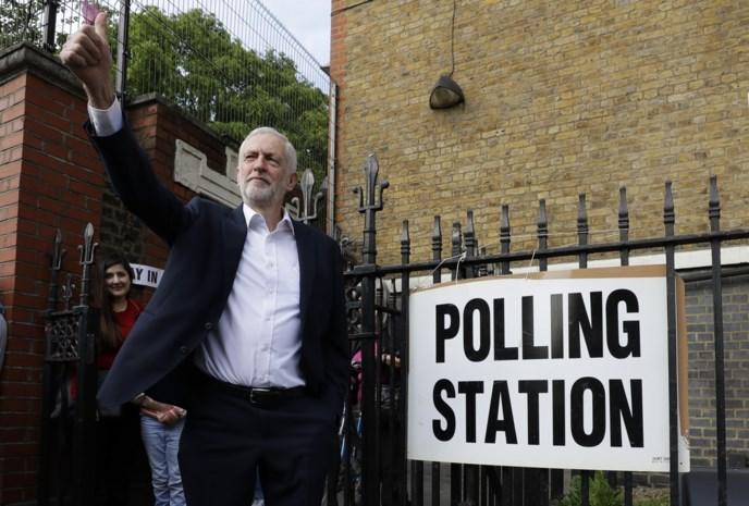 """Corbyn pleit voor vervroegde verkiezingen of nieuw referendum: """"Terugkeren naar volk is enige uitweg uit Brexit-crisis"""""""