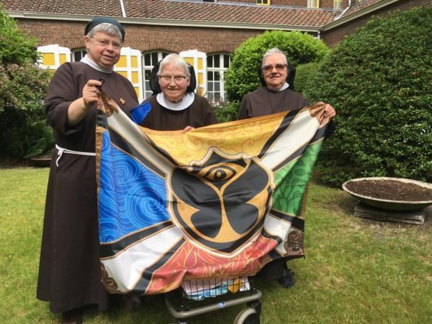 Laatste keer Tomorrowland voor zusters Benedikta, Roza en Benedicte: na bijna 125 jaar verlaten clarissen Boom