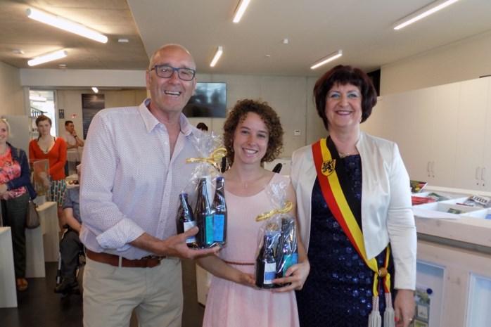 Kempense wereldster in het waterskiën gehuldigd: op haar 18de behoort Jasmin Geens al tot de top