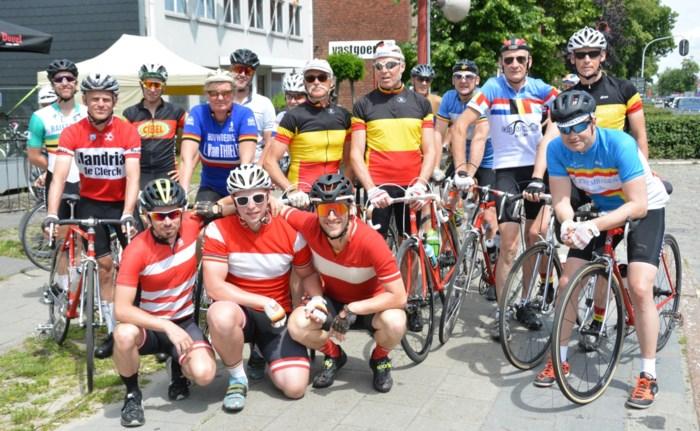 Eerste retrokoers met deelnemers uit heel Vlaanderen