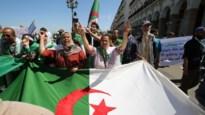 Algerije stelt presidentsverkiezingen uit omdat enige twee kandidaturen niet geldig zijn