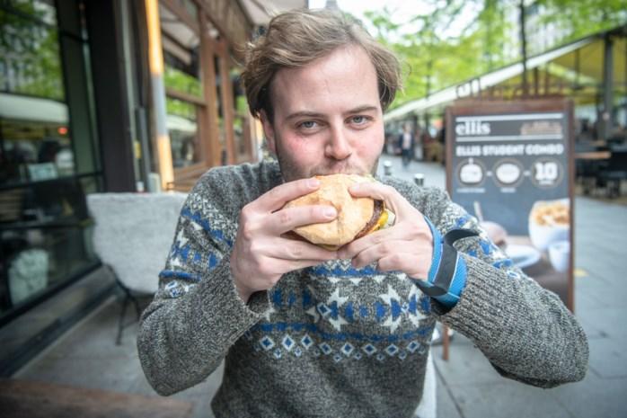 """""""De vleesloze hamburger is een kantelmoment"""": hét symbool van vleesconsumptie bestaat nu ook in geloofwaardige plantaardige variant"""