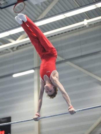 """Topsportgymnast Kilan (14) pakt zilver op BK: """"Op zijn 2 jaar deed Kilan al spagaat"""""""