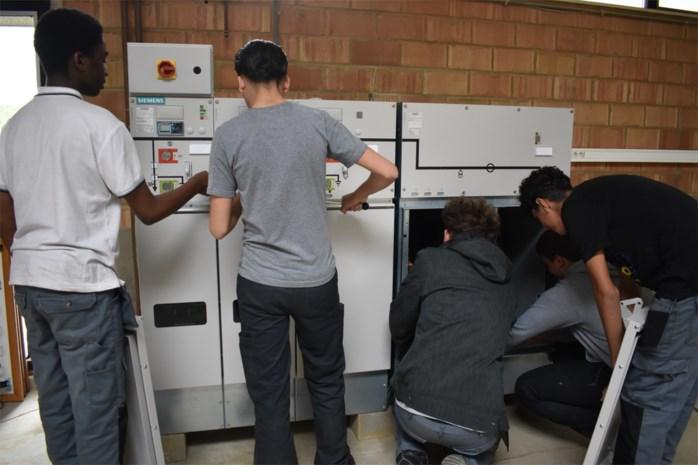 Siemens stoomt leerlingen Technisch Atheneum klaar