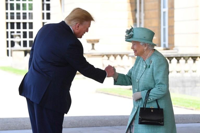 Koningin Elizabeth uit subtiele kritiek op beleid van Donald Trump bij officieel staatsbanket