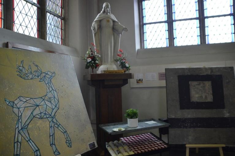 Kunst tussen heilige botresten