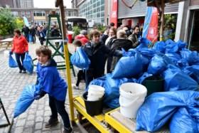 """Afval verzamelen langs de Schelde: """"Het is hallucinant"""""""
