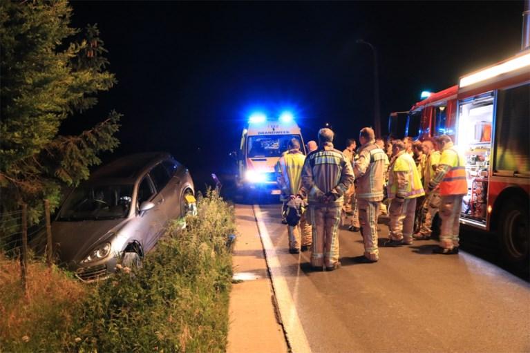 Dronken bestuurder crasht met Porsche in gracht en wordt overgebracht naar gevangenis