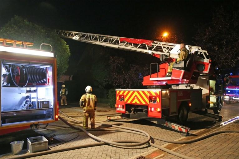 Twee lichtgewonden na brand in toilet