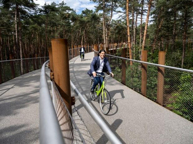 Kempens bedrijf bouwt unieke fietsbrug in Limburg
