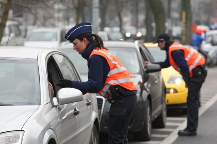 Politie klist dronken chauffeurs die zelfs geen rijbewijs hebben