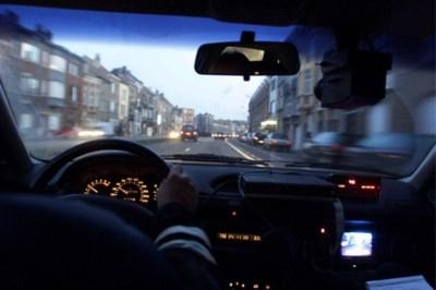 Kempenaar krijgt boete van 1.200 euro omdat hij te dicht achter Zwitserse politiewagen rijdt