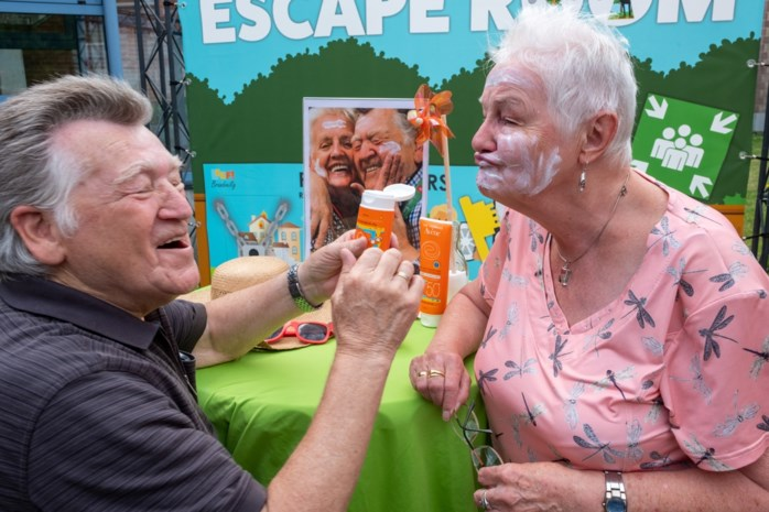 Oscare licht woonzorgcentra in over gevaren van de zon: senioren maken het smerig deze zomer