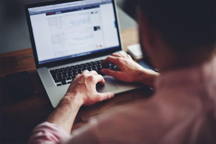 Online-bedrieger stuurt per ongeluk e-mail naar de politie