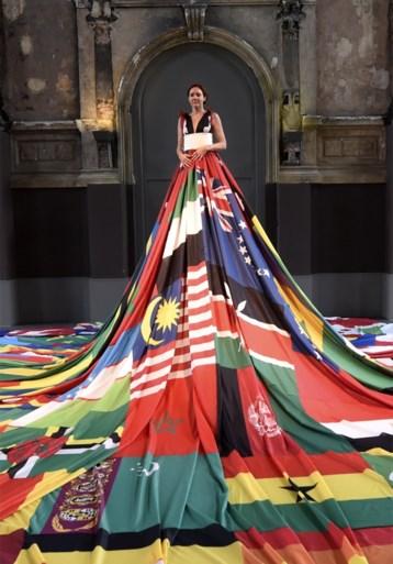 Blikvanger op Antwerp Pride: de Amsterdam Rainbow Dress