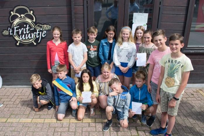 Plusklas van basisschool lanceert gedichtenwandeling in dorpscentrum