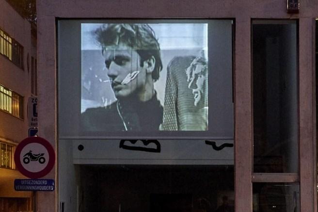 """Gratis videokunst aan tramhalte Harmonie: """"Ze staan er toch maar te wachten"""""""