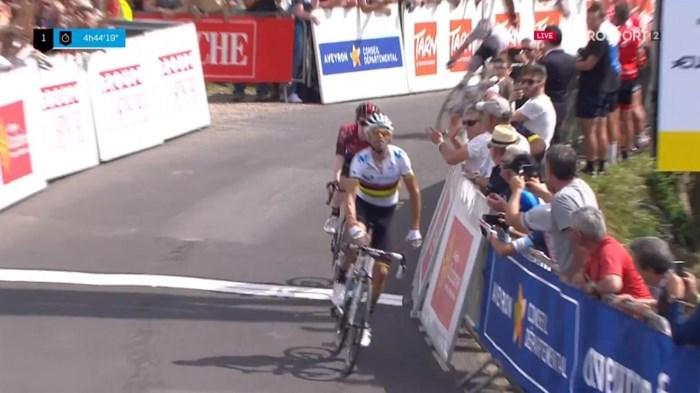 Alejandro Valverde is klaar voor de Tour: wereldkampioen pakte tweede zege in regenboogtrui