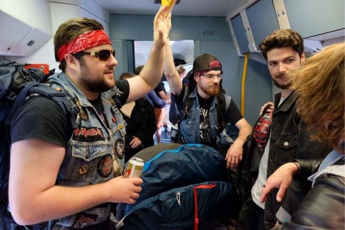Welkom op de 'Graspop Express': Metalheads verzamelen 'in stijl' op trein tussen Antwerpen en Mol