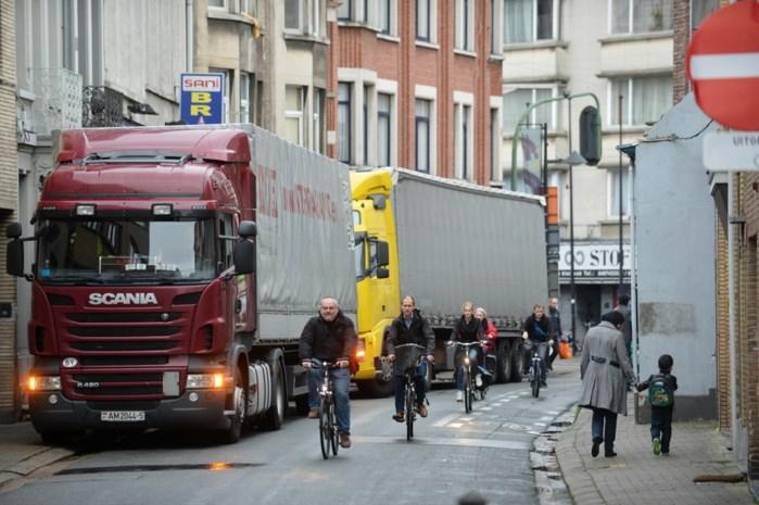 Uitbreiding venstertijden voor vrachtwagens in heel de stad botst op praktische problemen