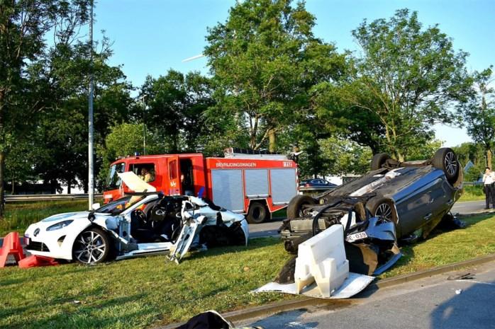 Twee gewonden bij zware crash op N16